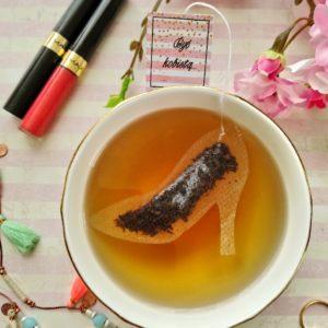 Herbata w torebce w kształcie szpilki